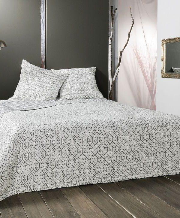 Cuvertura pat alb gri 5089 Faro 230x250 cm