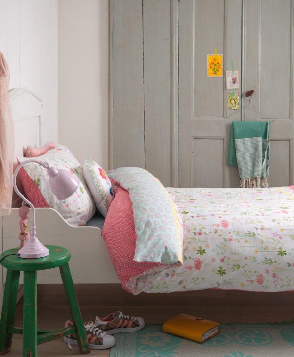Lenjerie pat fetite dormitor Sea of Flowers 140x220/220 cm