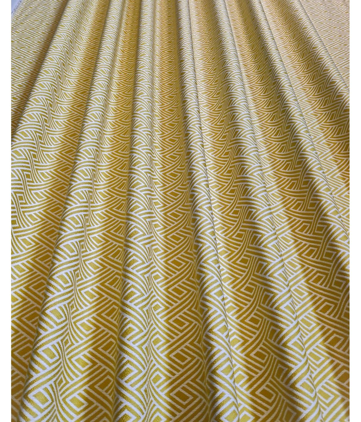 draperii galbena cu model simetric Tirreno